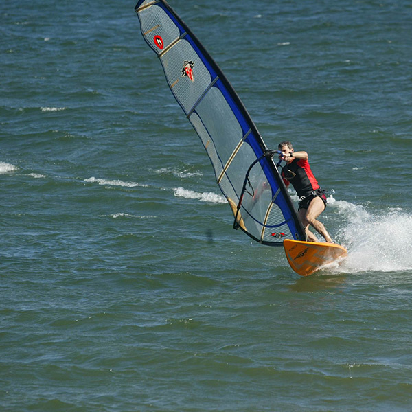 wind_surfing